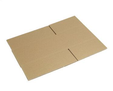 nieuwe kartonnen dozen